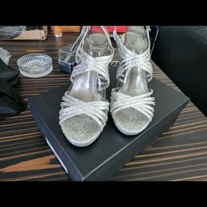 Size 10 Adrianna Pappel aiden heels